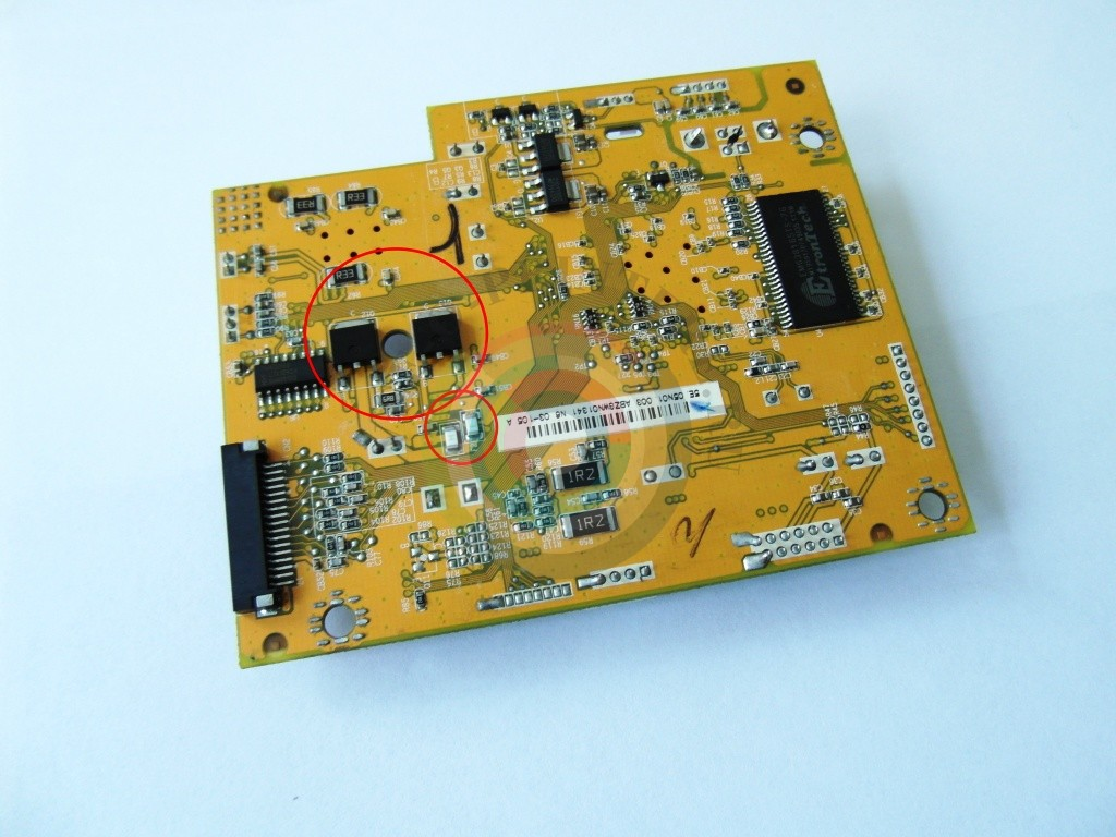 Транзисторы C6017 и A2169 и предохранители F1 и F2